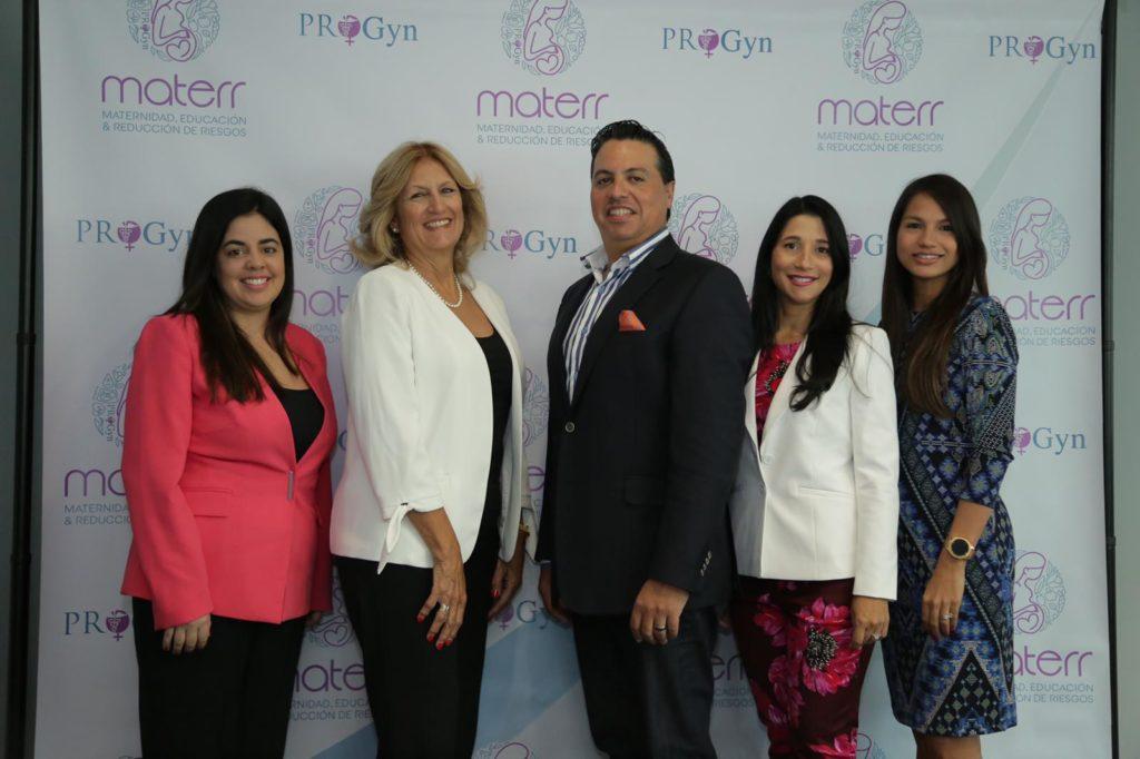 De izq a derecha_ Dra. Cristina Colón, Dra. Cecile Marquéz, Dr. Nabal Bracero, Lcda. Linette Sánchez y Dra. Erick Vincenty
